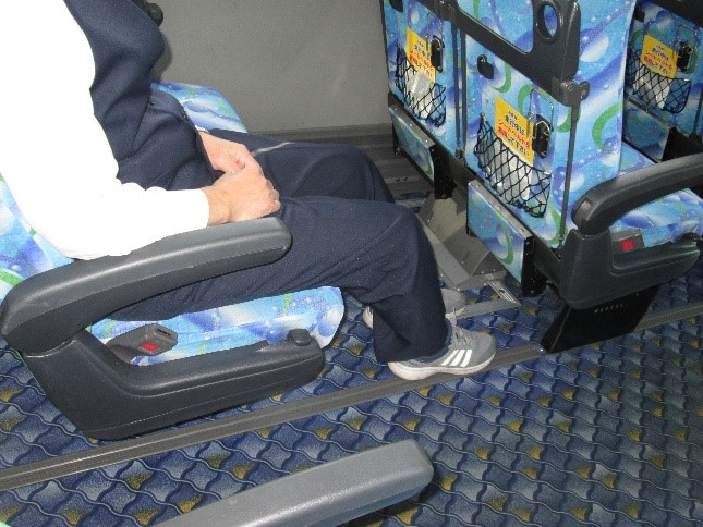 ゆったりの座席ピッチ(前後の幅)
